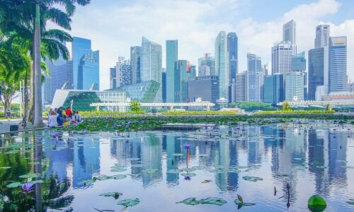 Singapore economy shrinks 7% in Q3