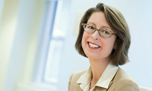 Fidelity Says Abigail Johnson to Succeed Father as Chairman