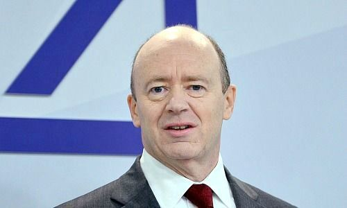 Deutsche Bank to raise 8bn euro and overhaul strategy